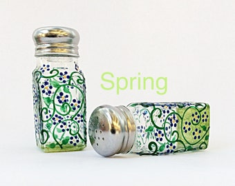 Spring salt and pepper shakers