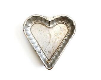 Vintage Tin Heart Pan . heart shaped cake pan . wedding card basket . cottage decor . metal basket . rustic kitchen decor metal heart basket