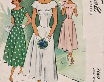 McCall 7662 / Vintage 1940s Sewing Pattern / Dress / Size 15 Bust 33