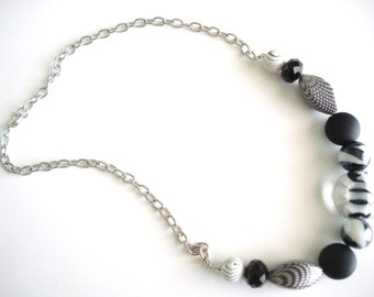 Black and White Beaded Chain Necklace