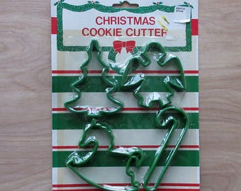 Christmas Cookie Cutters~Vintage~Set Of 4~1991 Never Used In Original Package~Christmas Tree~Angel~Rocking Horse~Candy Cane