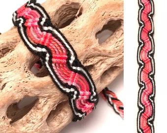 Peruvian friendship bracelet - snake pattern - wave - woven - macrame - braided - pink - black - white - tribal - string - thread
