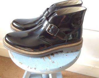 Chukka boots mens buckle hipster work wear american retro ankle desert 90s style rocker rockerbilly clarks england Mens shoe size 8 uk 42 Eu
