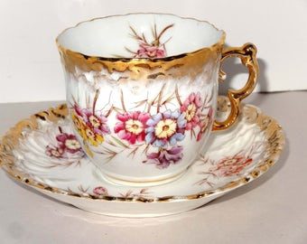 White with Gold Leaf Tea Cup & Saucer Pansies Geschiitzt Germany Home and Garden Kitchen and Dining Tableware Drinkware Coffee and Tea Cups