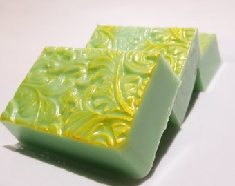 Bithday Gift Soap - Pear Spice Soap - Bar Soap -  from Son or Daughter for Her Women - Sister Aunt Wife Birthday Gift - Present - Green Soap
