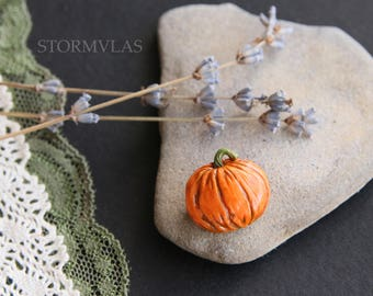 Halloween Pumpkin Brooch Halloween jewelry Pumpkin pin Fall Accessories Floral polymer clay Gothic accessories cute Holiday Orange Autumn