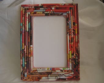 Picture frame, hand made, rolled up magazine paper, unique