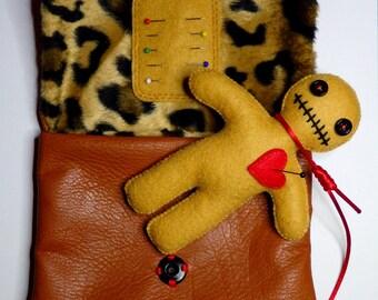 (Doll + bag + pins) Voodoo Kit
