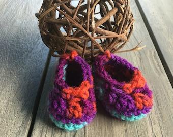 Yarn crocheted Newborn/Baby booties