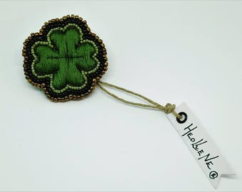 Clover, lucky clover brooch, Shamrock door happiness, jewelry, gift for her, gift for him, St. Patrick's day, embroidered brooch