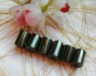 set of 45 (ref:131) magnetic hematite cylinder beads
