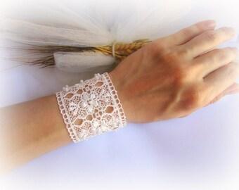 Floral lace cuff bracelet, white lace cuff, embroidered lace bracelet, ivory bridal lace bracelet, bridesmaid bracelet, lace jewelry