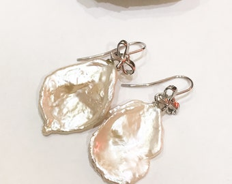Freshwater Pearl Earrings on 925 Silver Bows