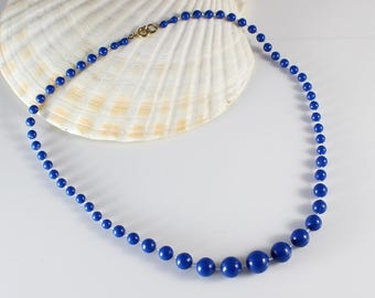 Short Length 1980s Plastic Blue Round Graduated Beaded Necklace