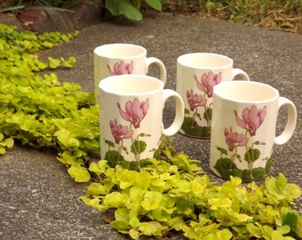 4 Small Tea Cups, Demitasse Cups, Vintage Ceramic Mugs, Pink Cyclamen Flower Mugs, Set of Four Mugs, Made in Japan Glass, Tea Tasting Cup
