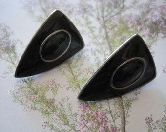 Mid Century, Vintage 60's, Triangle, Upside down, Monet Style, Black enamel and  silver tone, studs earrings.