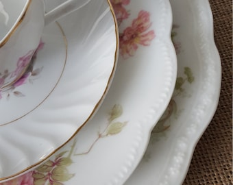 Vintage Mismatched 4pc Place setting for wedding, bridal showers, hostess gifts, dinner party, luncheon, brunch,
