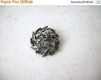 ON SALE Vintage Silver Tone Leaves Berries Metal Pin 71517