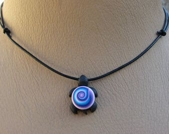 Pendant turtle lilou patterned spiral mutlicouleur