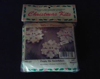 Vintage  Merri Mac Christmas Tree  Ornament Kit Frosty The Snowflake Makes 7 NIP NOS Crafts Supplies