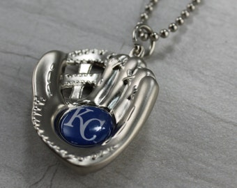 "Silver Ball Glove KC Royals 30"" Necklace"