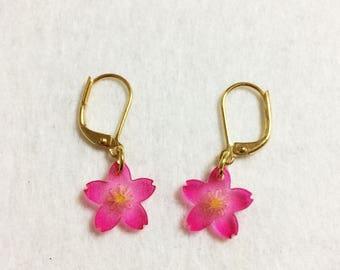 Happy hanami !  wholesome pink cherry blossoms (sakura) earrings