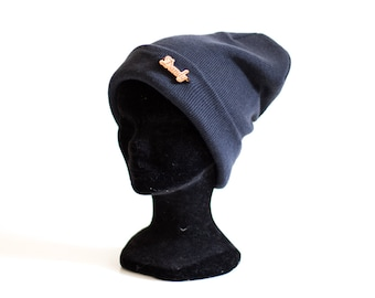 "Beanie with wood ""Dandy"" laser engraving"