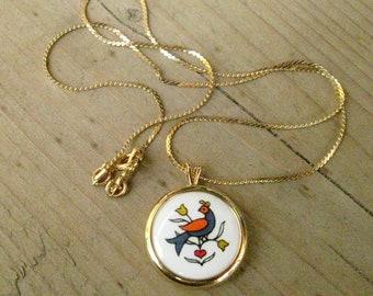 Vintage Avon Gold Tone Bird Ceramic Necklace, Fashion Jewelry