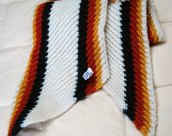 """Vintage wool scarf from May D&F, 7x58"""" excellent condition"""