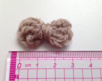4 bow ties beige wool and crochet