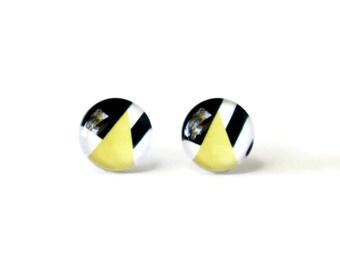 Geometric pattern stud earrings - Yellow stud earrings - Color block - Geometric earrings - Modern stud earrings - Atinylittletriangle