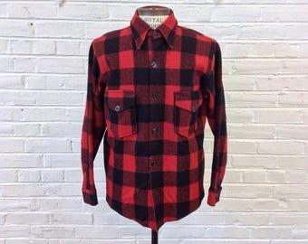 Size M Vintage 1940s Men's Buffalo Plaid Wool Workwear Shirt from Chippewa. Red and Black Lumberjack