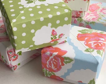 8 origami childrens favour boxes goody bags patterned floral shabby chic