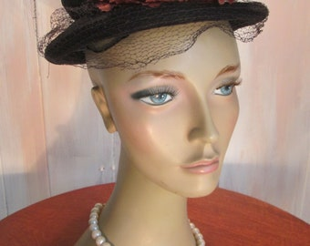 Vintage 1950s Navy Net Cloche Hat with Poppies