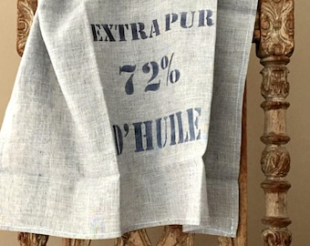 Tea towel in washed grey linen veil. Printed patern stamped in black by hand.