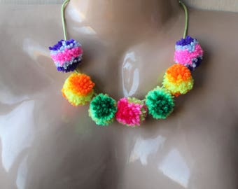 Multicolour pom pom necklace, kuchi medallion, Festival pom pom necklace, gypsy necklace, boho necklace, hippie necklace, hawaii necklace
