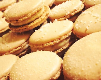 6 French Macarons (Assorted Flavors)