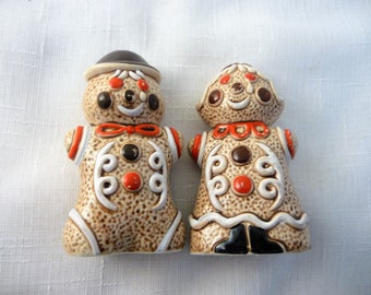 Ginger Bread  Men Salt and Pepper Shakers With Hat and Bow Ties, Kitchen Collectibles