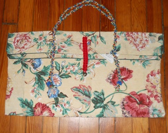 Spring carryall bag