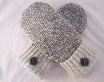 Women's ragg wool mittens size small gray and white fleece lined Christmas or birthday gift