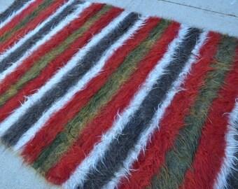 Vintage Felt Rug, Old felted wool carpet - 5'3 x 8'6 - Free shipping!