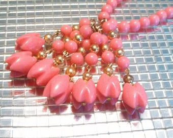 60s Pink Necklace / Mod Necklace / Tassel Necklace / CarnivalofFASHION