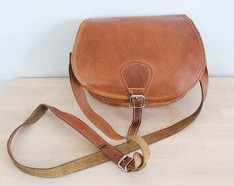 Vintage Tan Leather Buckle Front  Across Body Messenger Satchel Bag Purse