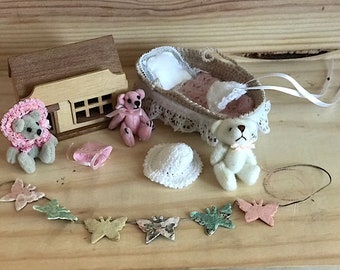 Baby set nr 2 in 1:12 scale
