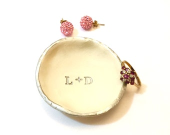 Personalized Jewelry Dish, Initial Ring Dish, Girlfriend Gift, Personalized Wedding Favors, Silver Name Ring Dish, Bridal Shower Favors