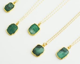 Raw Emerald Slice Necklace, Bezel Set Emerald Necklace in Gold, Gold Necklace, Gold Pendent Necklace, Gold Emerald Necklace (0209N)