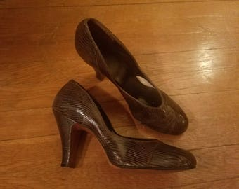 Vintage 1940's Brown Reptile Baby Doll Pumps 4 Inch Heels, Size 10, 10.5