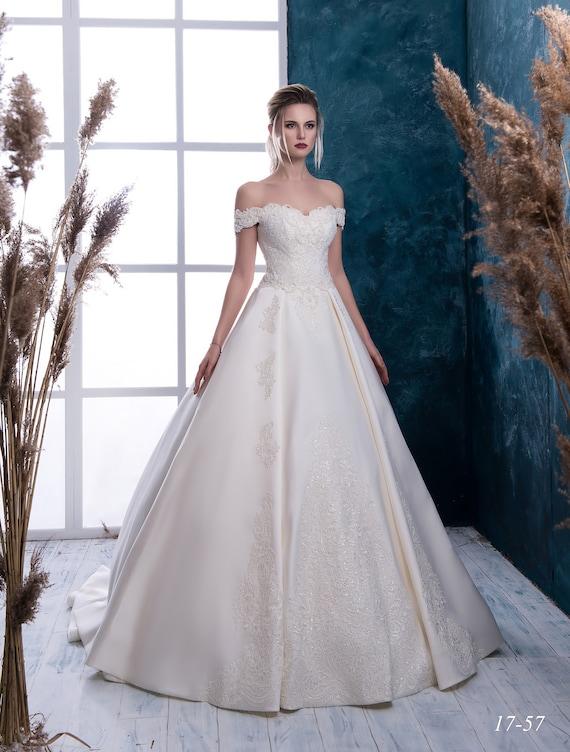 dress Satin wedding with Bride Wedding dress dress from Ivory wedding Wedding dress train dress Rita wedding White NYC 6HaUAagq