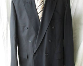 Vintage Pierre Cardin Mens Double Breasted Navy Blue Jacket Blazer Sport Coat Wool Woolmark Tag Size 48R Used Worldwide Shipping