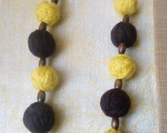 Wool/Yarn Necklace. Yarn Fiber and wooden Necklace. Handmade Bead